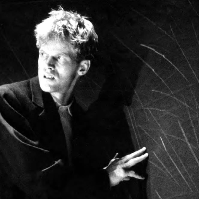 René Peier als Robert in 'Marie und Robert', Paul Haller, Schauspielhaus Zürich