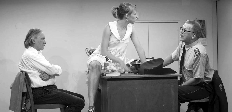 René Peier als Polizeibeamterin 'Loch im Herz', 2010: Sogar Theater, Zürich & Gastspiele