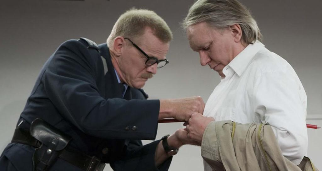 René Peier als Polizeibeamter in 'Loch im Herz', 2010 Sogar Theater, Zürich & Gastspiele02